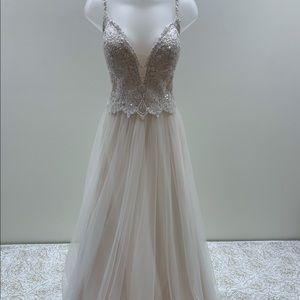 NWT Dreams by Eddy k. Thin Strap Wedding Dress
